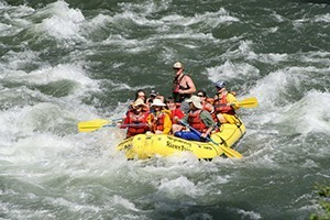 Wyoming River Trips Scenic/Whitewater Rafting :: Cody's leader in whitewater, scenic and inflatable kayak trips for families and groups. 2 hour, half or full day trips near the East Yellowstone entrance.