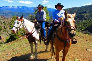 Absaroka Mountain Lodge: Cabins & Horseback Rides :: Horseback riding in one of the most beautiful settings. Comfortable cabins right on the eastern edge of Yellowstone Nat'l Park. Once owned by Buffalo Bill Cody's grandson.