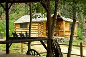 East Yellowstone Lodges : Guest Ranches, Cabins, Hotel and RV properties between Cody and Yellowstone's East gate. Spectacular fly fishing, rafting, horseback riding, hiking and more!