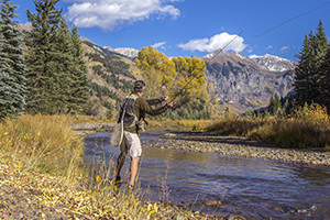 East Yellowstone Lodges: Lodging and Fishing