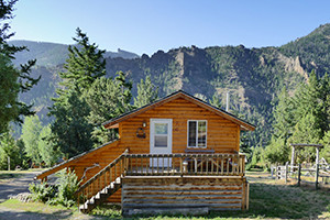 Yellowstone Cabins | between the East Gate & Cody