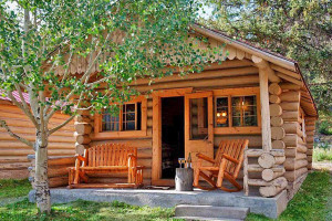 Great Cabins & Motel along the Beartooth Highway